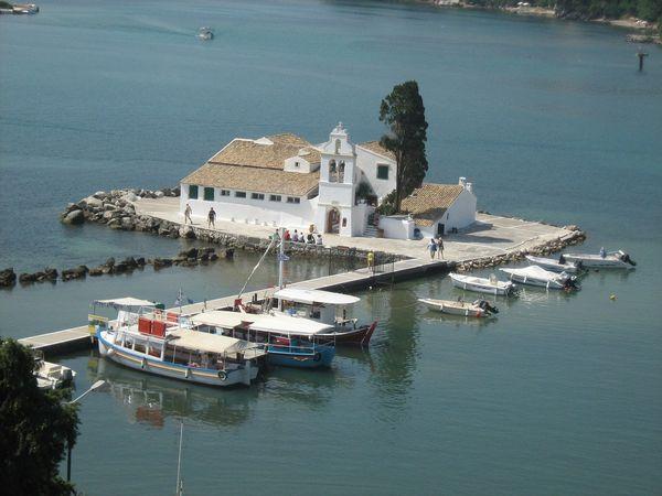Het Vlachernaklooster op Muizeneiland te Corfu
