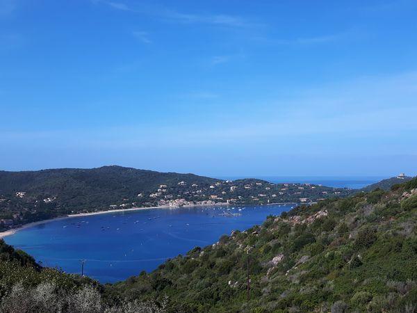 Baai bij Campomoro op Corsica