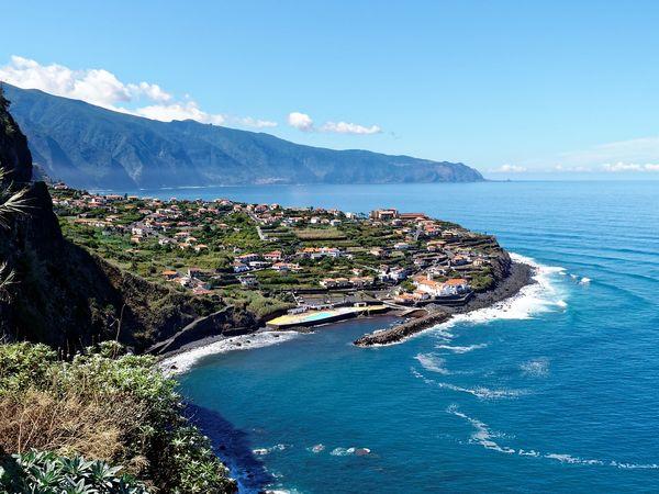 Uitzicht op de kust van Madeira