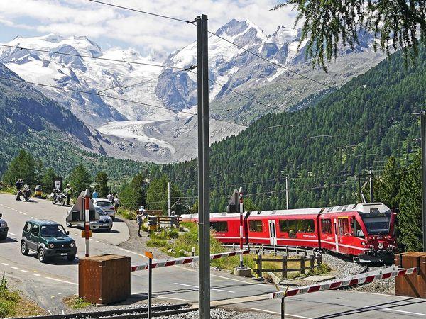 De Bernina Express in de bergen van Zwitserland